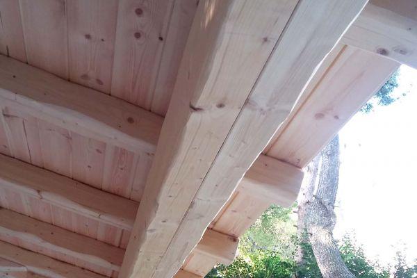 Εμφανές σκέπαστρο με σύνθετη ξυλεία στο Διόνυσο Αττικής